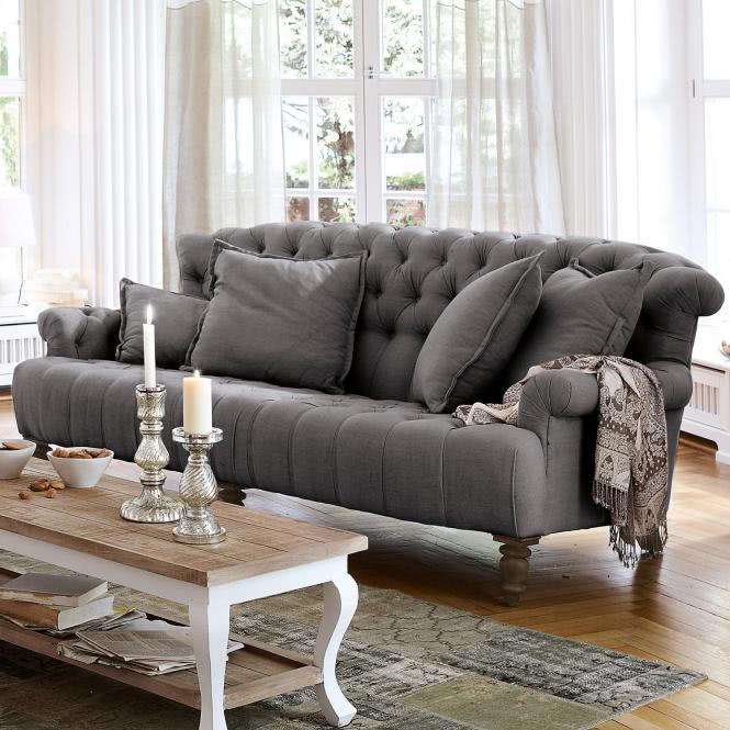 Sofa im Chesterfield-Stil