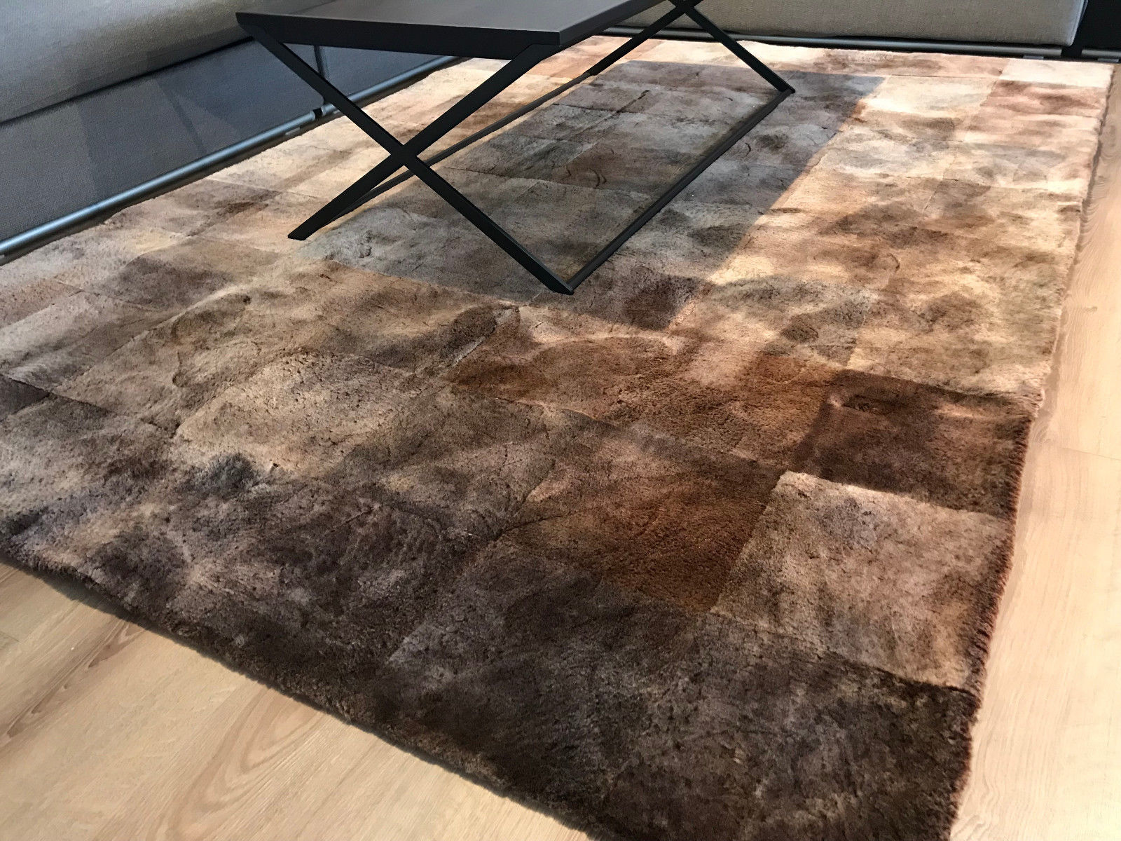 Kare Lammfell Teppich im Quadratdesign 240 x 170 cm in Hellbraun/Braun