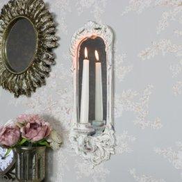 Wandleuchter, Spiegel mit verziertem Rahmen im französischen Stil