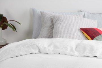 Brisa 100 % Leinen Bettwaescheset (155 x 220 cm), Weiss - MADE.com