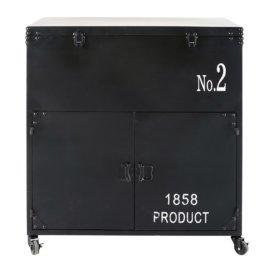 Schwarzer Metallkoffer mit Aufdruck