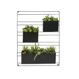 Wanddeko mit 3 künstlichen Pflanzen im Topf