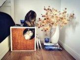 Gemütliche Würfel Katzenbox Aus Sperrholz in Nussbaum-Finish Von Purrfur