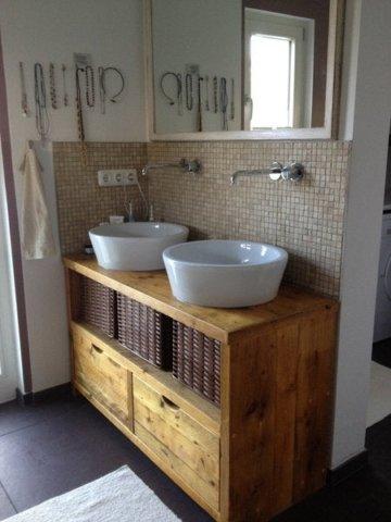 Waschplatz, Bauholzmöbel Sideboard, Waschtisch, Waschbeckenunterschrank, Aufsatzbecken, Waschschale, Badezimmermöbel, Gerüstbohle, Altholz