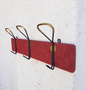 Vintage Wandaufhänger/Kleiderschrank Mantel Rack 3 Bronze Haken Stoff Und Eisen Rote Kleiderbügel Home Decor Holz Textil 70Er Jahre
