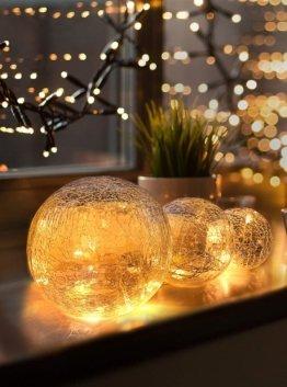 LED Glaskugel 3er Set - Exklusive Größe, Warmweiß, inkl. Timer und Kratzschutz - 10, 12 und 15cm LED Kugeln batteriebetrieben - Harmonische LED Leuchtkugeln als einzigartige Dekoration